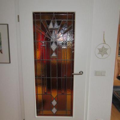Zimmer Türe mit Glaseinsatz vom Kunden.