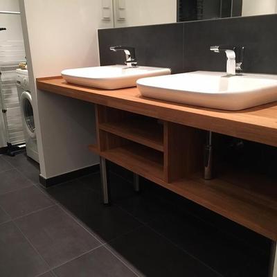 Waschtischablage in Eiche geölt in Köln Möbelbau nach Maß