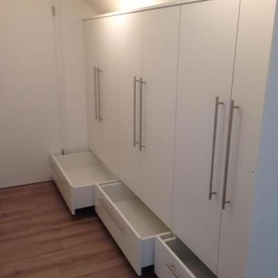 Einbau- Kleiderschrank - Möbelbau nach Maß