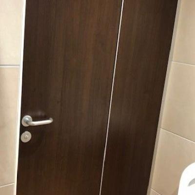 Toiletten Trennwände auf Mass und Farbe nach Wahl Köln