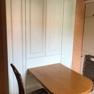Küchenschrank mit intregriertem Tisch Tiefziehfronten Lackiert. Köln und Pulheim