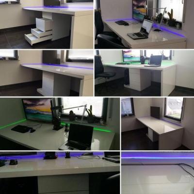 Schreibtisch in Hochglanz Weiss mit Container sowie Kabelführung. Köln Much Möbelbau nach Maß